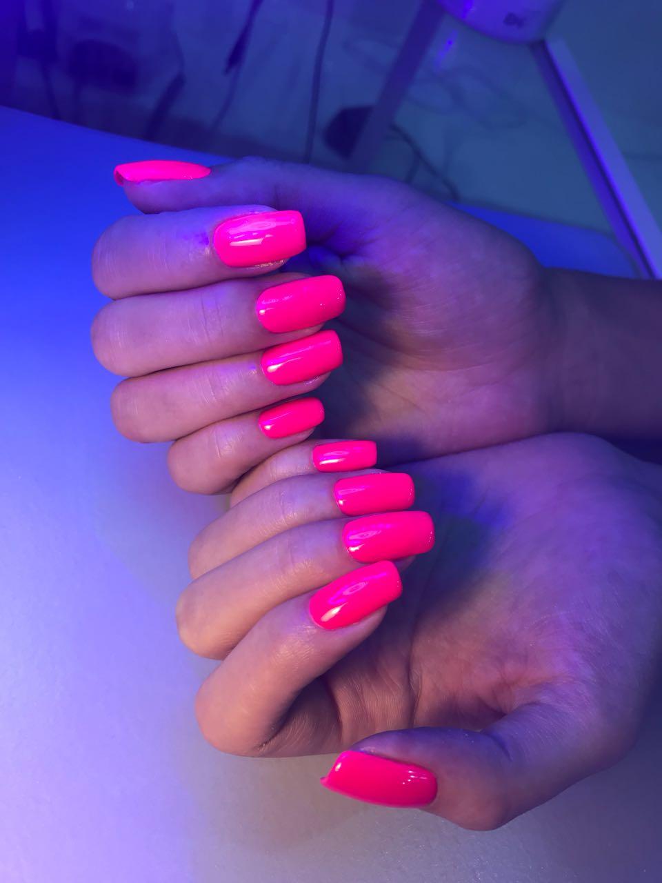 Стильное наращивание ногтей